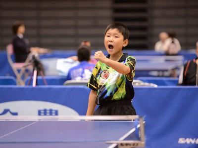 全日本選手権大会(ホープス・カブ・バンビの部)で5連覇を達成した張本智和選手
